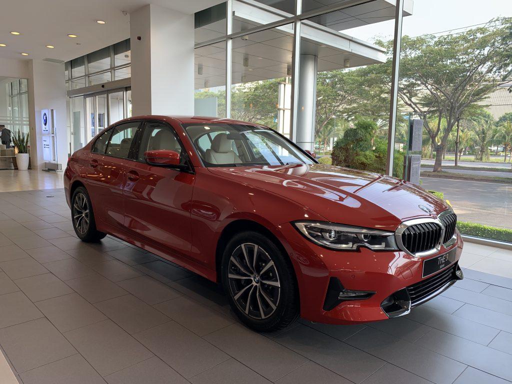 BMW 330i Sport-Line tại bmw phú mỹ hưng