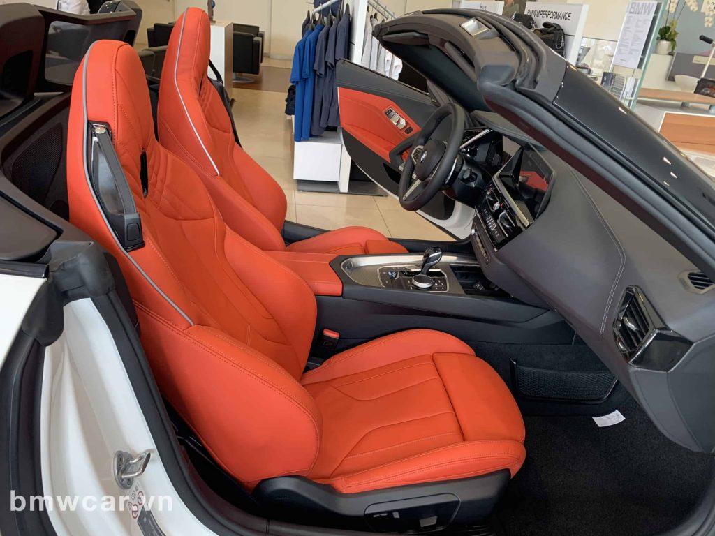 BMW Z4 trang thống ghế ngồi được làm 100% từ da